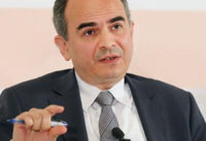 basci: herkes para politikasini elestirebilir