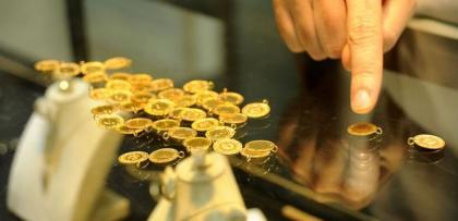 Altın değer kaybına devam