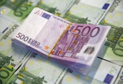 Karamsar senaryolara devam: Euro 2,90 TL'yi aştı