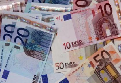 Euro zevke geldi.. Dolar çarşafa dolandı