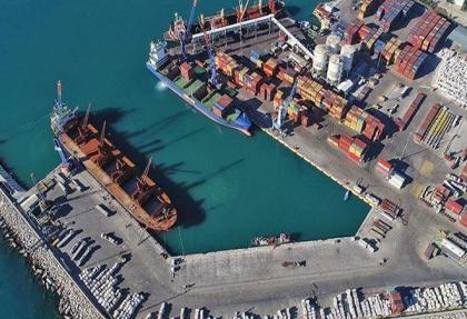 Türk ihracatı rekor kırdı, Dünya ticareti her ay küçüldü